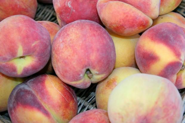 1 1 1 peaches pile