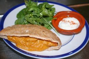 Le Salbuen ~ Chicken Curry In Pita