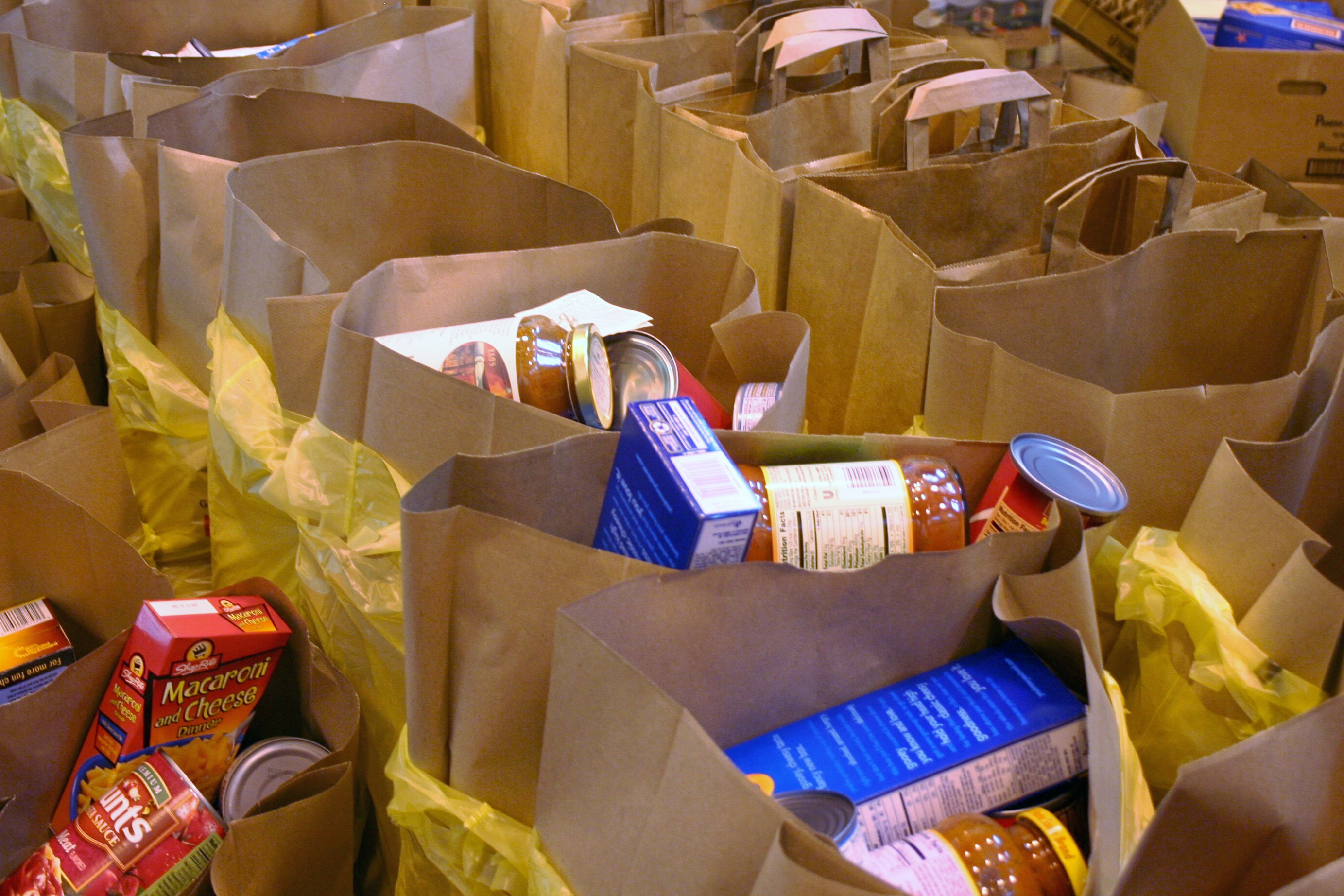 NJ FOODBANKS RECEIVE 31000 FROM COMMUNITY FOOD PANTRY CHECKOFF