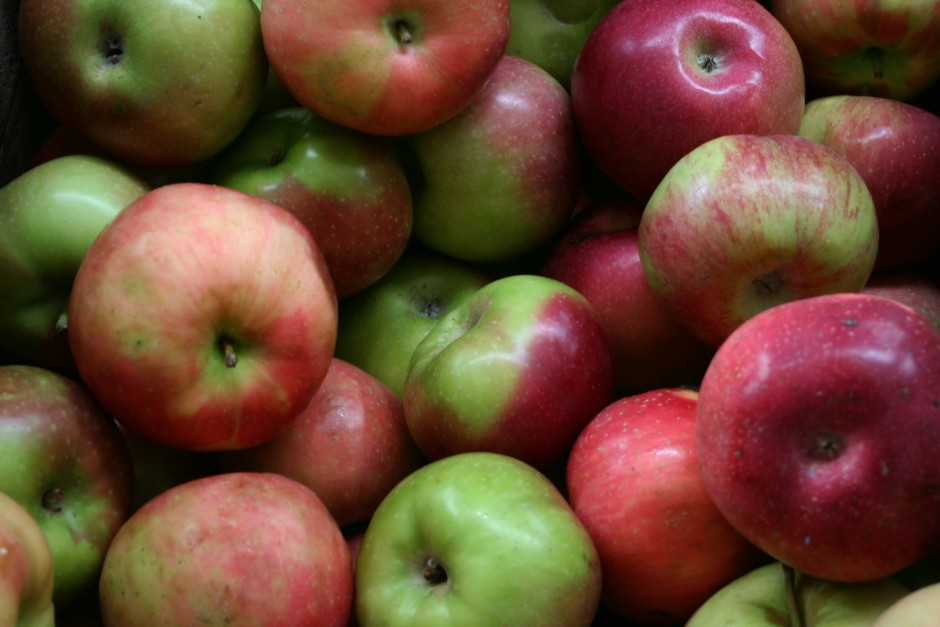 Apples In Red and Green