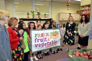 Janet Celi, NJDA Fresh Fruit and Vegetable Program Coordinator; Linda Kovalsky, Ceres School FFVP Coordinator, 4th grade students in the school Garden Club; Michelle Velez-Jonte, school principal and Rose Tricario, NJDA Director of the Div. of Food and Nutrition.