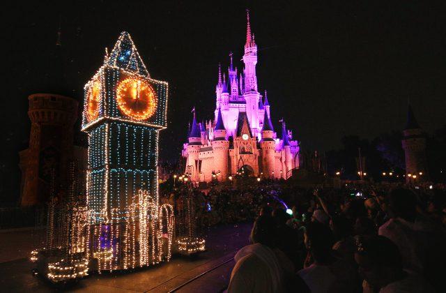 Disney WDW Electric Parade 3